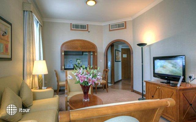 Al Diar Capital Hotel 5