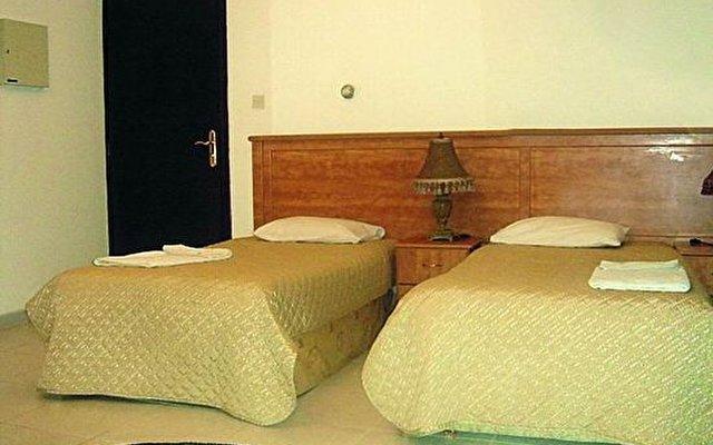 Caravan Resort 5