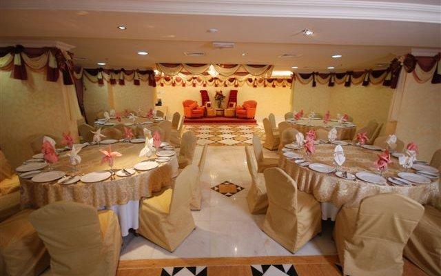 Al Bustan Tower Hotel Suites 5