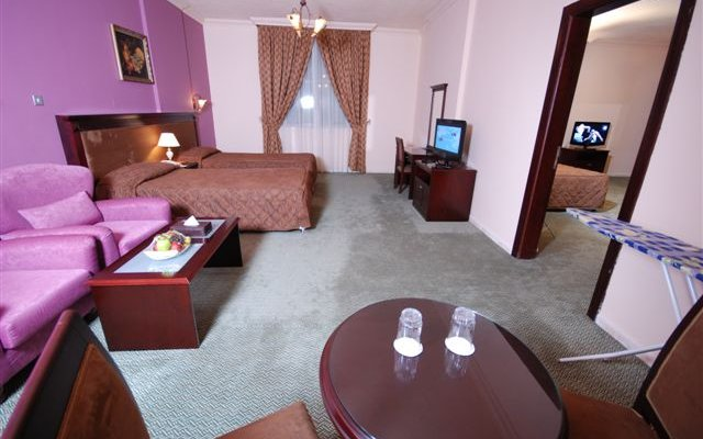 Al Bustan Tower Hotel Suites 9