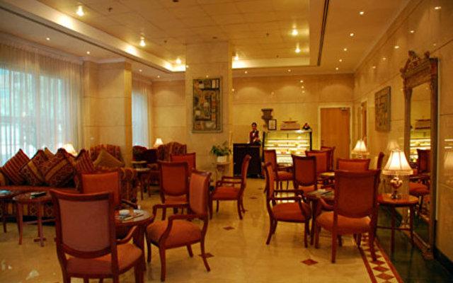 Nejoum Al Emirate 10