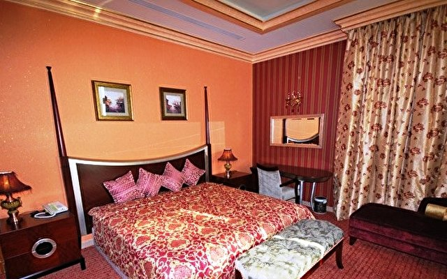 Royal Beach Resort & Spa 10