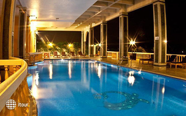 Sahara Beach Resort & Spa (ex. Royal Beach Resort & Spa) 4