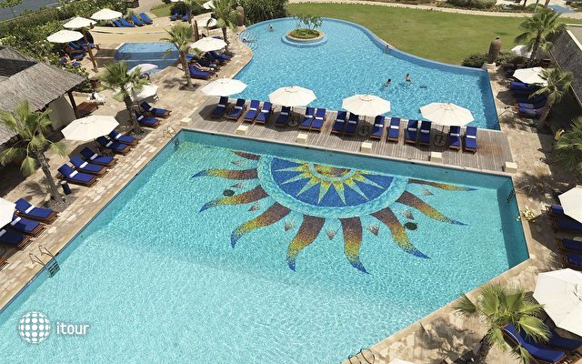 Radisson Blu Resort Sharjah 2