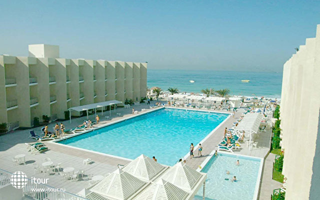 Beach Hotel Sharjah 1