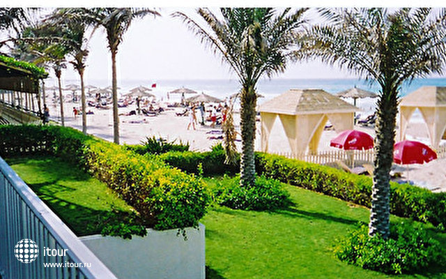 Beach Hotel Sharjah 4