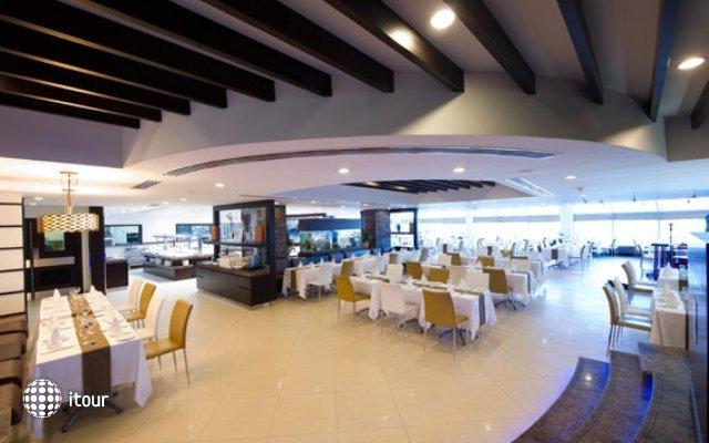 Sharjah Grand Hotel 7