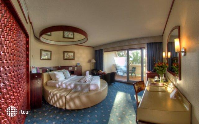 Sharjah Grand Hotel 10