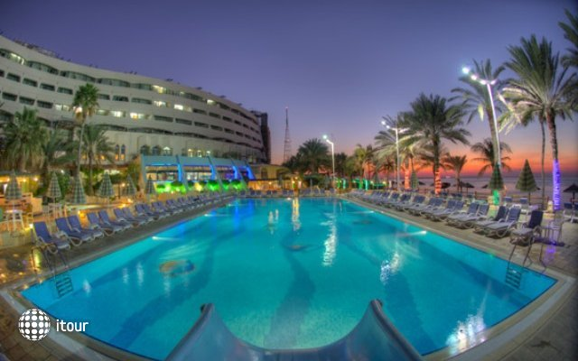 Sharjah Grand Hotel 2