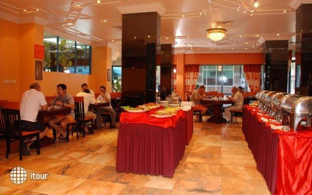 Al Bustan Hotel Flats 4