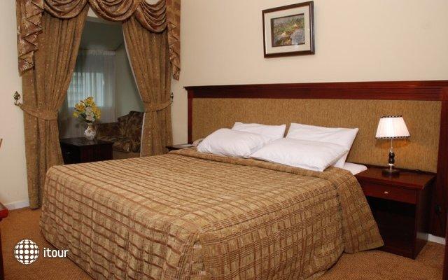 Al Bustan Hotel Flats 3