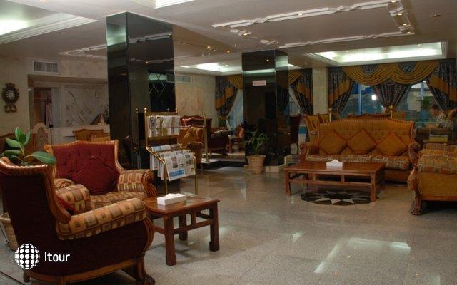 Al Bustan Hotel Flats 7