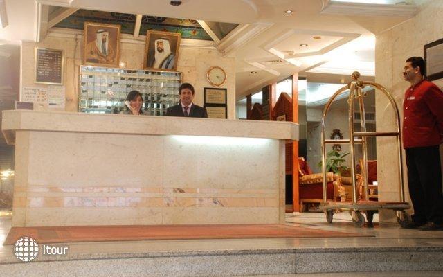 Al Bustan Hotel Flats 9