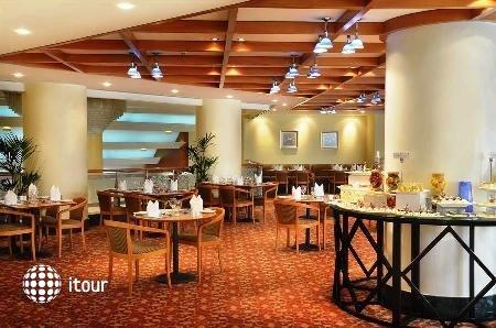Swiss-bel Hotel Sharjah (ex. Sharjah Rotana) 4