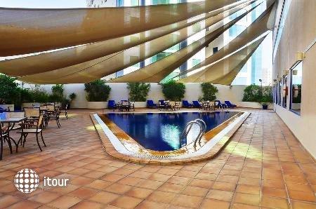 Swiss-bel Hotel Sharjah (ex. Sharjah Rotana) 2