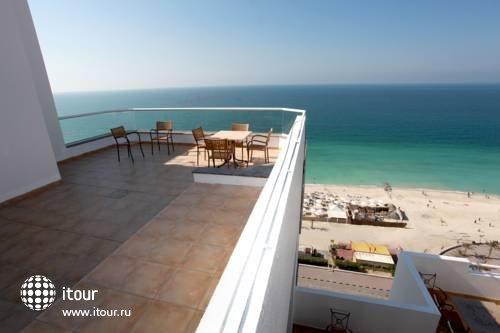 ОАЭ Аджман отель рамада бич фото