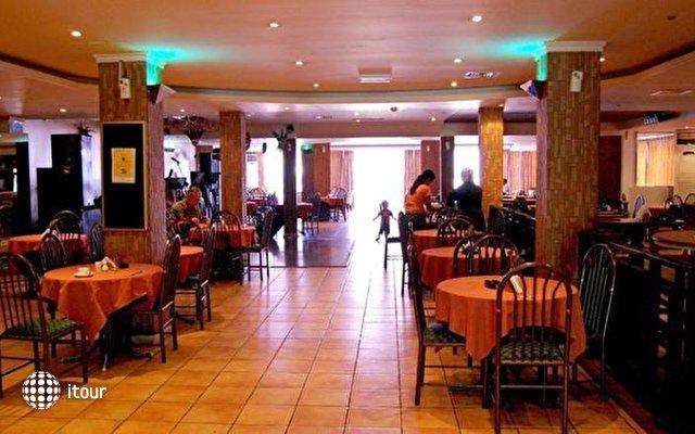 Ajman Beach Hotel 6