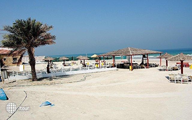 Ajman Beach Hotel 7