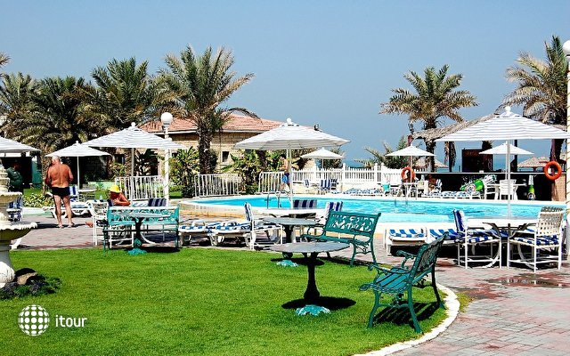 Ajman Beach Hotel 8