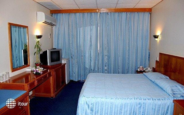 Ajman Beach Hotel 9