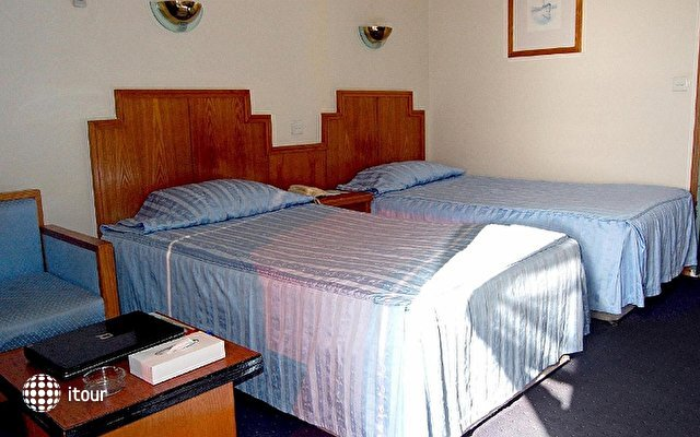Ajman Beach Hotel 10