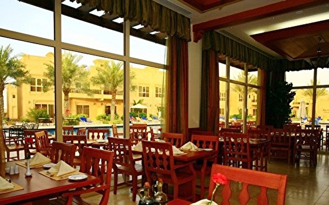 Al Hamra Village Golf Resort 7