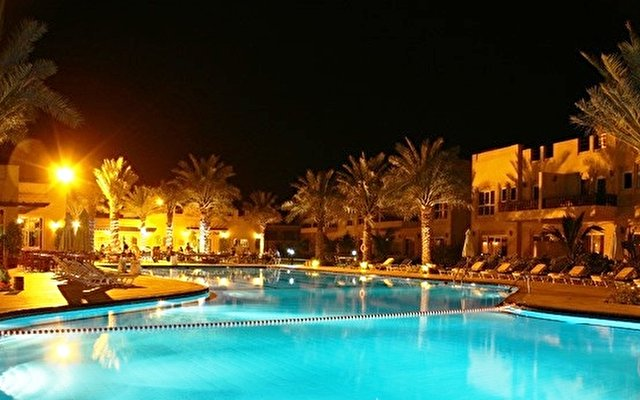Al Hamra Village Golf Resort 10