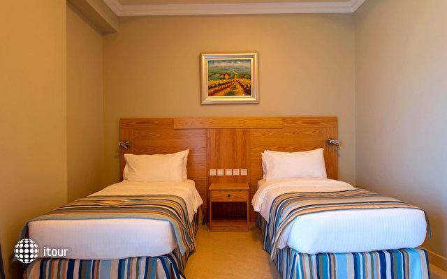 Al Hamra Fort Hotel & Beach Resort 8