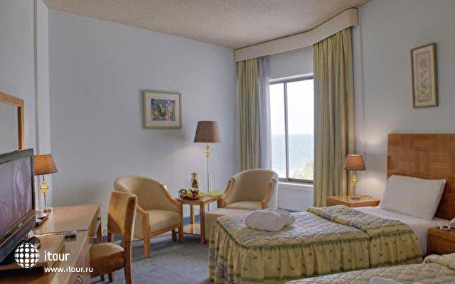 Bin Majid Beach Hotel 10