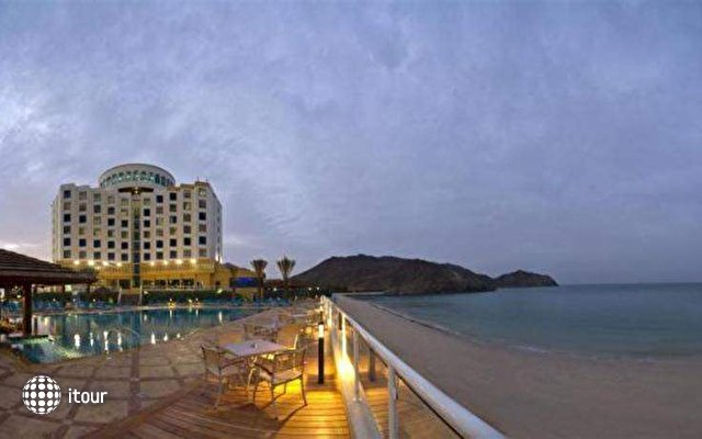 Oceanic Khorfakkan Resort & Spa 1
