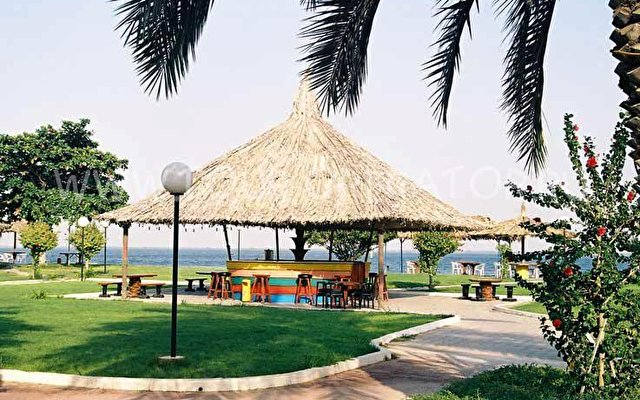 Flamingo Beach Resort 1