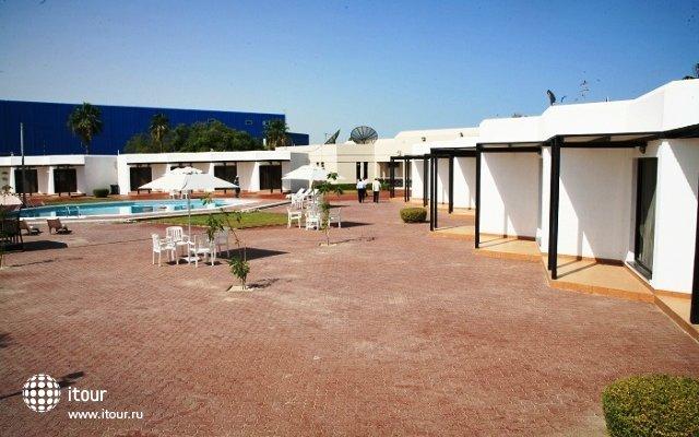 Pearl Beach Hotel 2