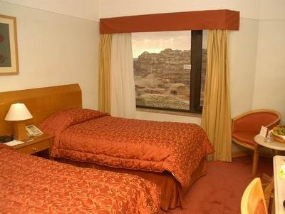 Petra Crowne Plaza Resort 9