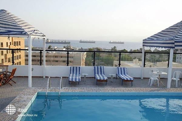 Days Hotel Aqaba 8