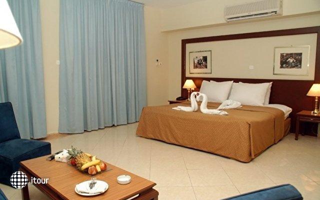 Aqua Vista Hotel & Suites 6