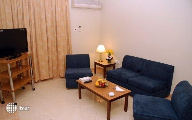 Aqua Vista Hotel & Suites 8