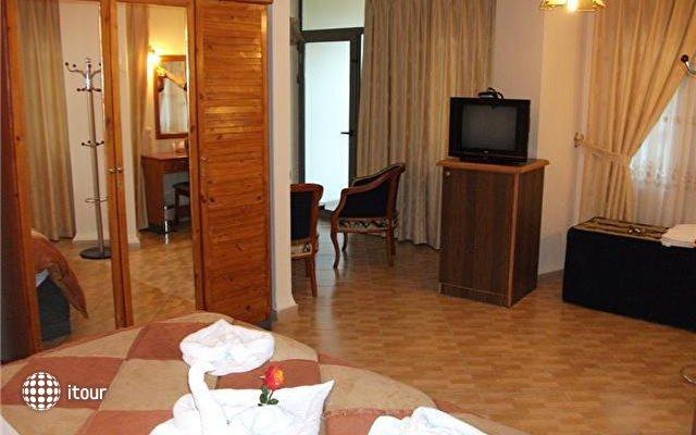Crystal Hotel International 4