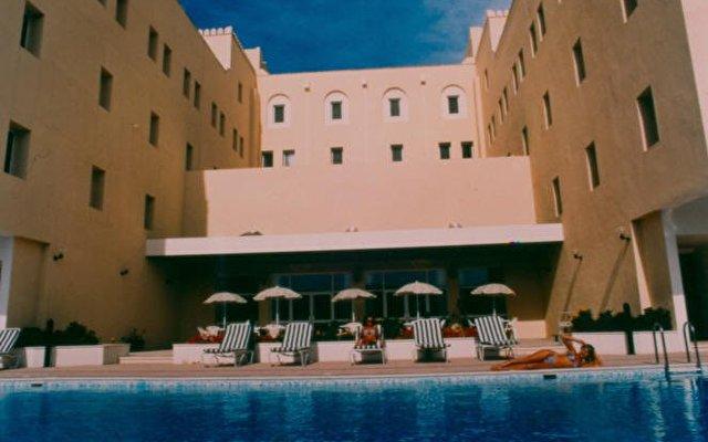 Sur Plaza Hotel 3