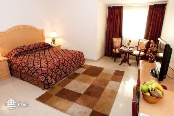 Safeer Hotel Suites 8