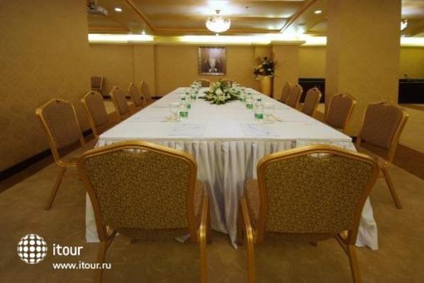 Tulip Inn Muscat 5