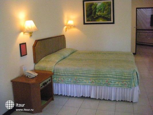 Lombok Raya 3