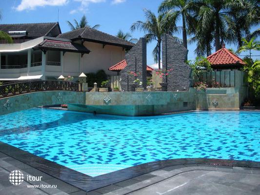 Lombok Raya 10