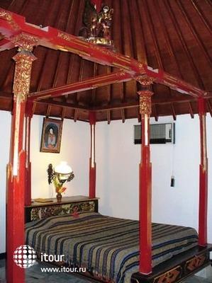 Puri Bunga Beach Cottages 10