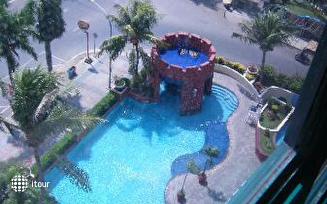 Imperial Aryaduta Hotel Makassar 4