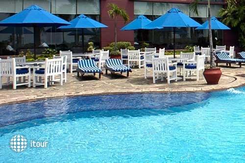 Imperial Aryaduta Hotel Makassar 5