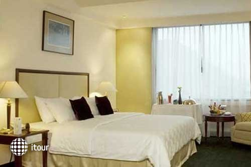 Imperial Aryaduta Hotel Makassar 6