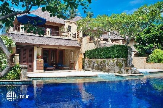 Pool Villa Club 5