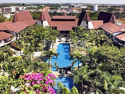 Novotel Surabaya Hotel & Suites 2