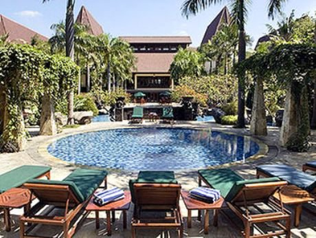 Novotel Surabaya Hotel & Suites 8