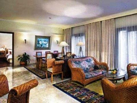 Novotel Surabaya Hotel & Suites 9